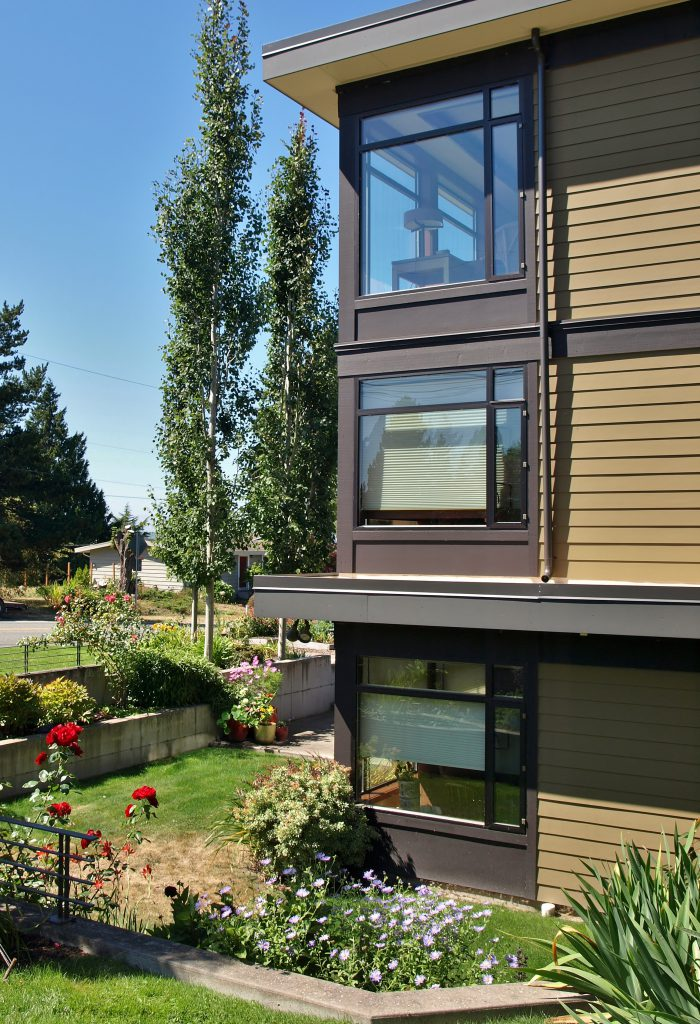 kirkland contemporary home exterior