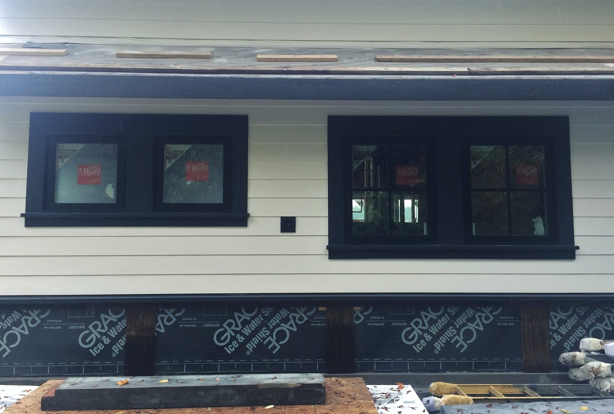 Cta Design Builders Seattle Architect Wiring A Shoebox House While We Finish Up The Inside Weve Made Leaps And Bounds On Lake Remodel Exterior Installed All Windows Window Door Trim