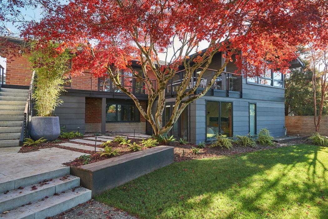 Hawthorne Hills Home backyard
