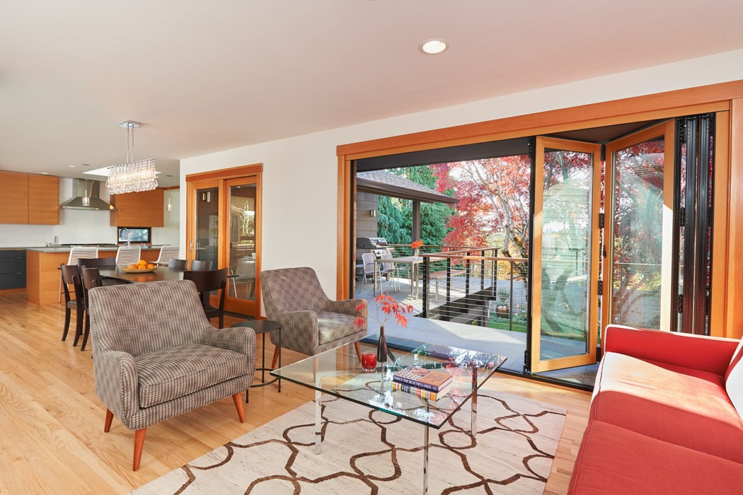 Hawthorne Hills Home living room