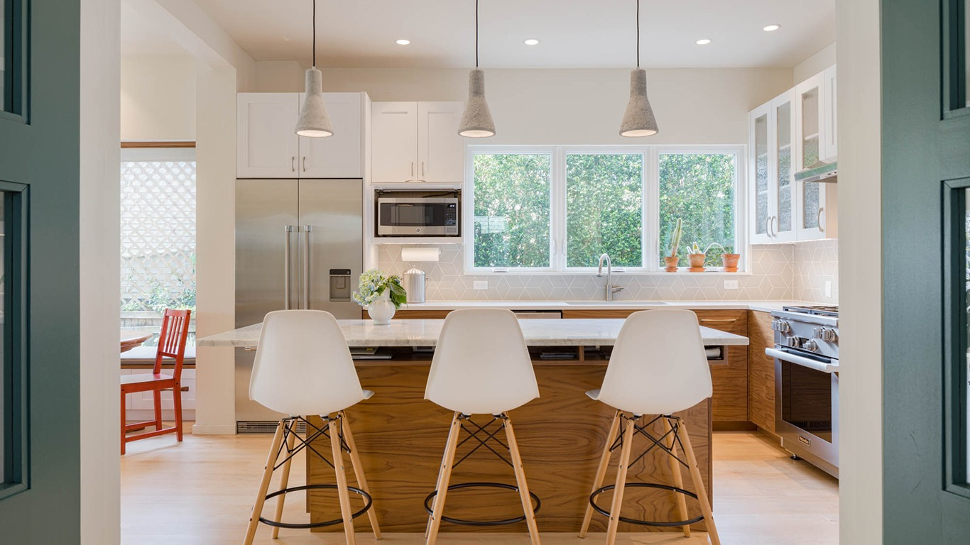 seattle-urban-farmhouse-kitchen-1366x768